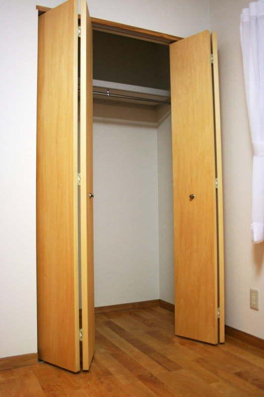 クローゼットの扉に隠れた部分の収納のコツ