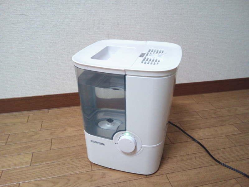 アイリスオーヤマ・加熱式加湿器 SHM-4LU-G ホワイト/グリーン