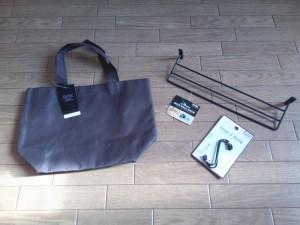 セリアのバッグ、アイアンウォールラック、S字フック