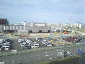 東京インテリア家具大阪店(仮)は2017年2月のオープンを控えて建設中