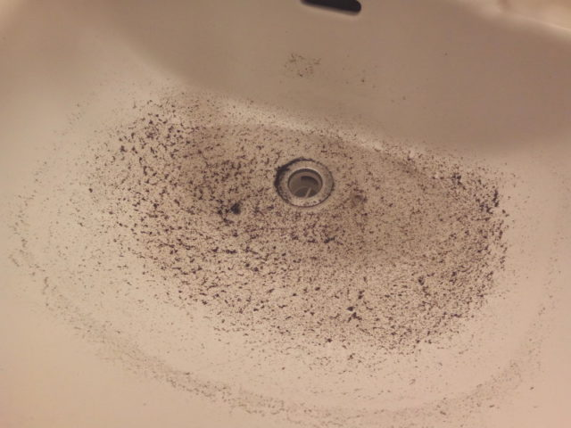排水管の詰まりが解消されるどころかむしろ悪化