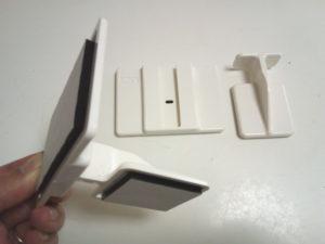 壁側と家具側が独立したL字型構造