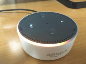 Amazon Echo Dotに電源を接続
