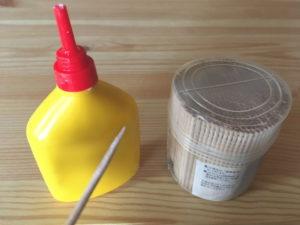 木工用ボンドと爪楊枝