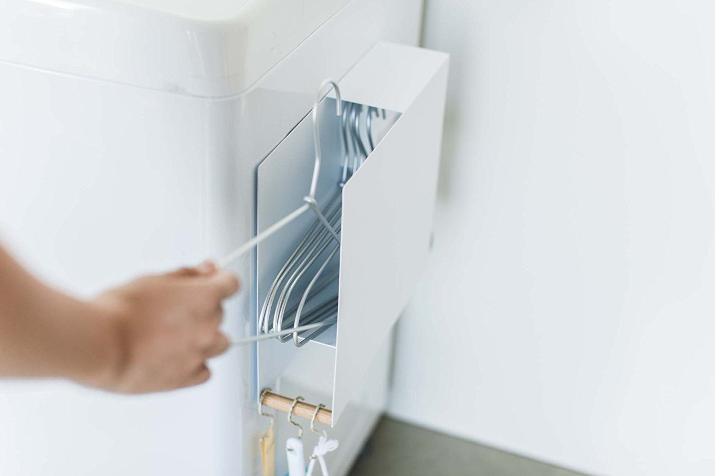 山崎実業・洗濯ハンガー収納 洗濯機横 マグネット ハンガーホルダー トスカ ホワイト 3868