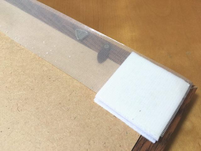 壁紙の表面が剥がれてしまった