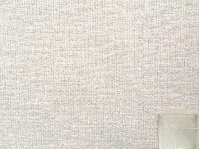 くりぴた接着剤を剥がした痕=ビニル壁紙はまったく損傷なし