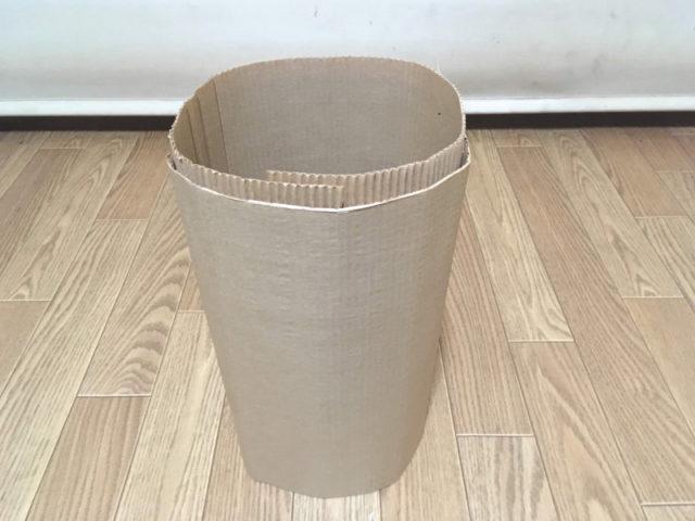 巻きダンボールで作った「やわらかゴミ箱」