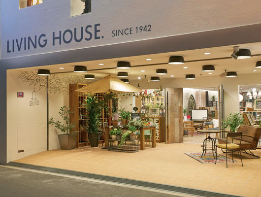 LIVING HOUSE. 堀江店
