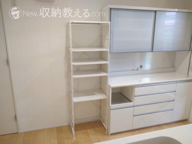 キッチンに設置したスチールユニットシェルフ