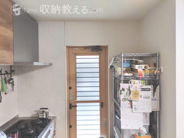 北川工業「SUPERタックフィット・パイプ家具用TF-VCB-PK」でルミナスラックの地震対策が完了