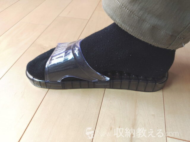 ニトリ・水抜きサンダル(PGY)は足の大きさは25~27cm対応