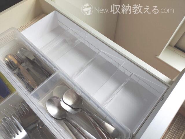 山崎実業・立体斜めカトラリーケースtowerは食器棚の引出しに収まりやすいサイズ